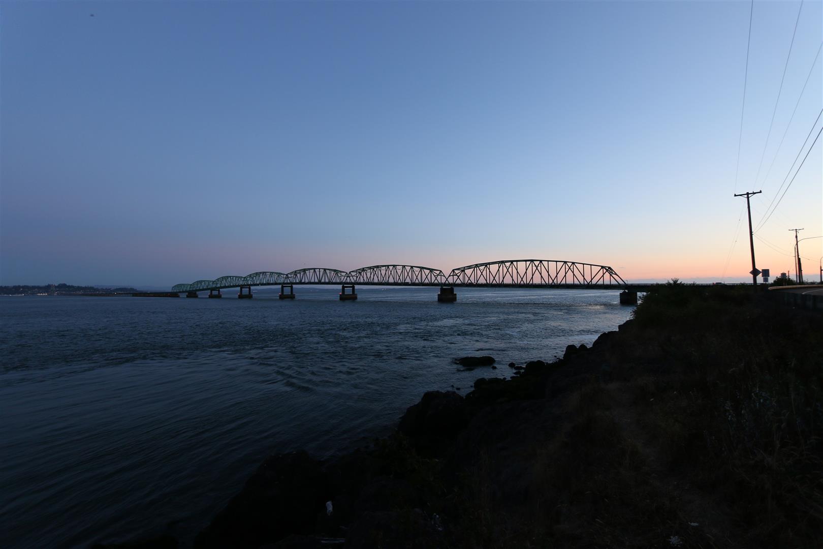 The bridge over to Oregon